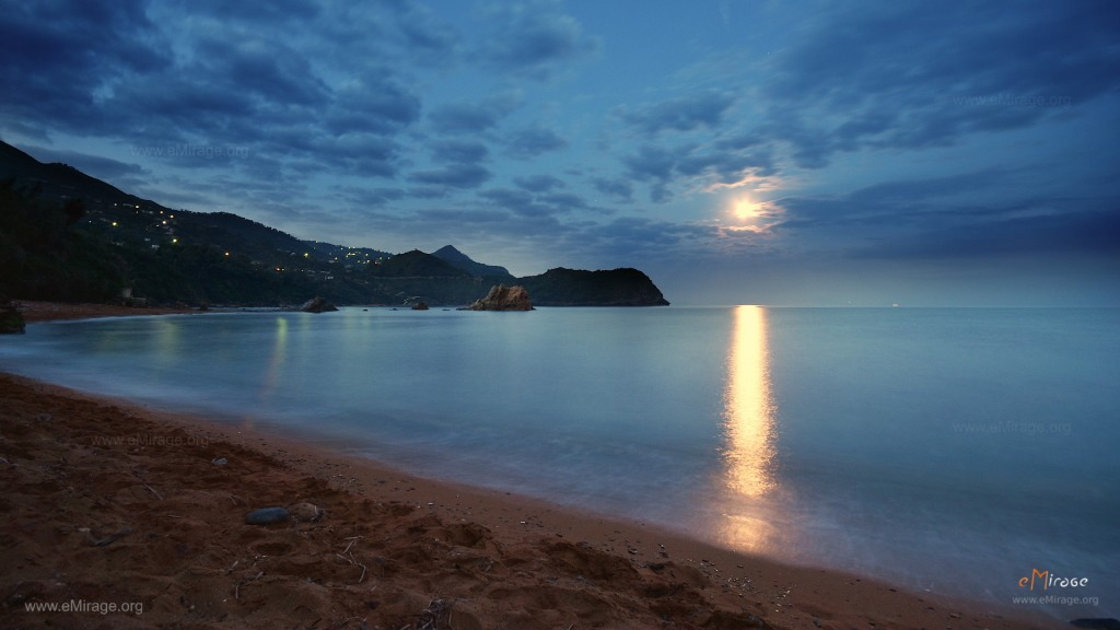 DSC_0018_plage_rouge_moon_light